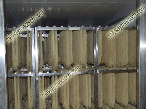 Máy sấy miến, thiết bị sấy nâng cao hiệu quả sản xuất miến dong