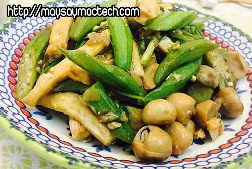 10 món ăn ngon dễ làm từ trái đậu bắp - Đậu bắp xào nấm