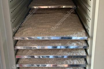 Máy sấy bột thuốc phù hợp với nhiều cơ sở sản xuất thuốc đông y